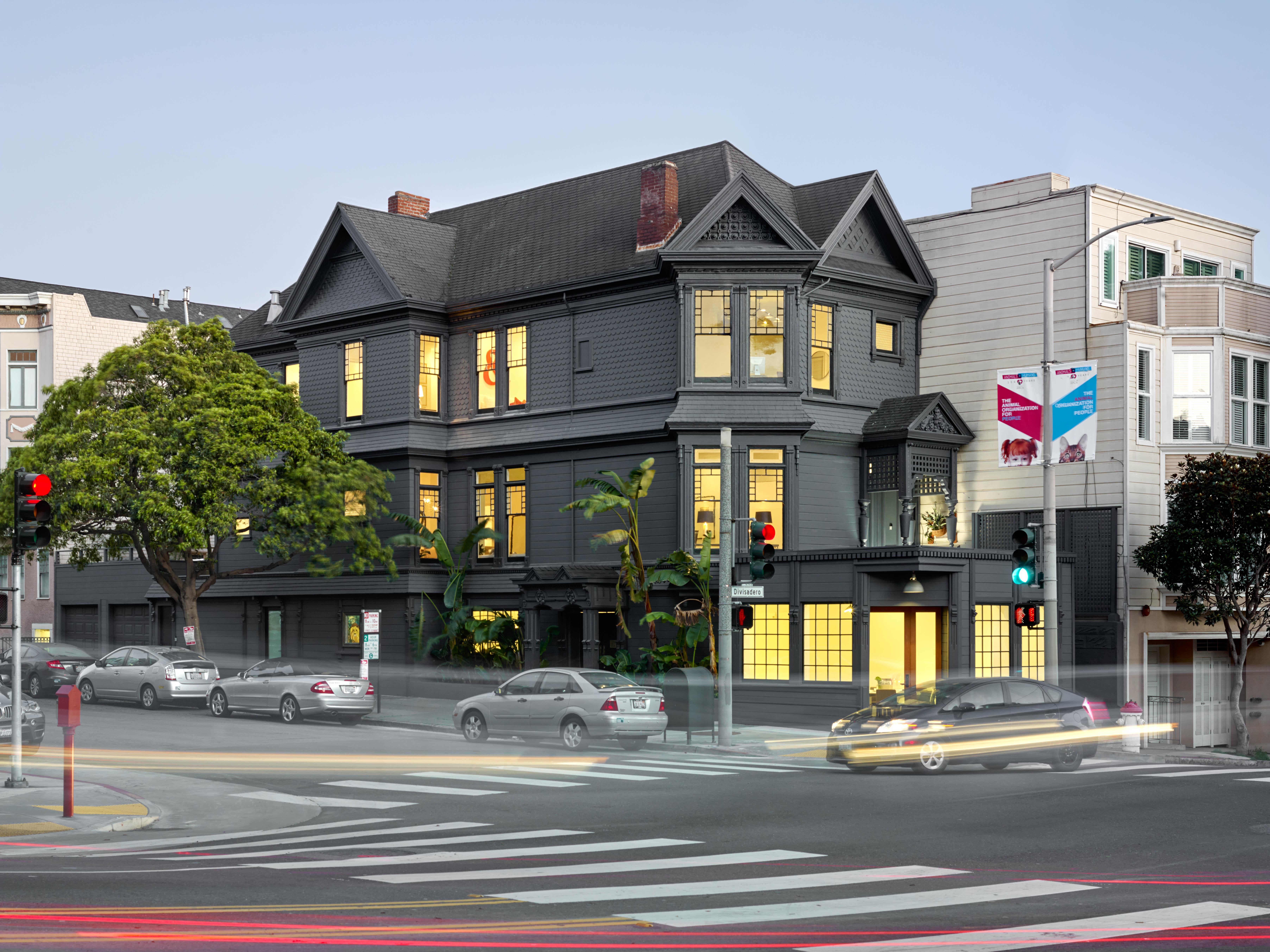 2060 Divisadero Street